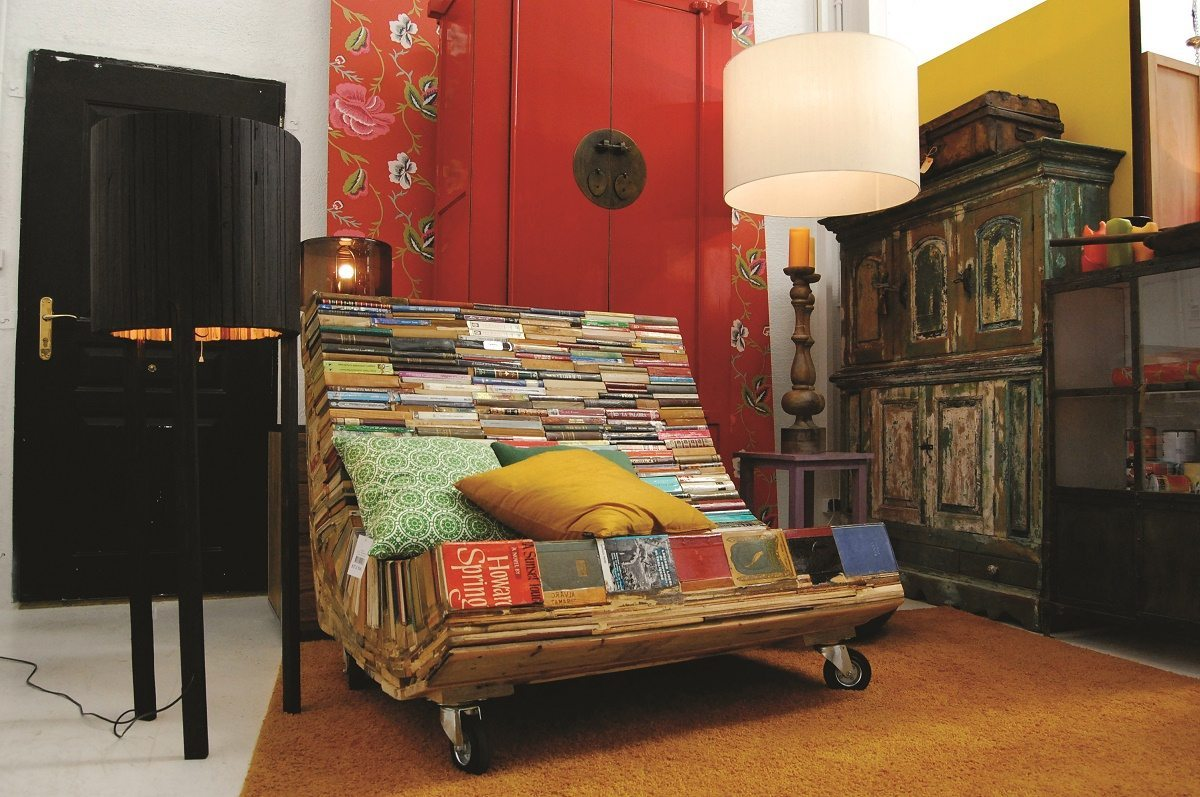 fabulous upcycling ideas to inspire you with retrash recycled interiors. Black Bedroom Furniture Sets. Home Design Ideas