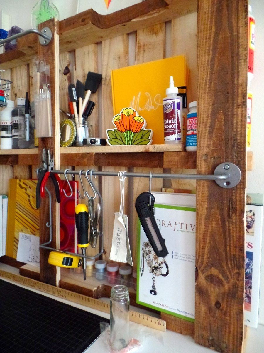 Upcycled Pallet Projects: How to Make a Pallet Organiser ...