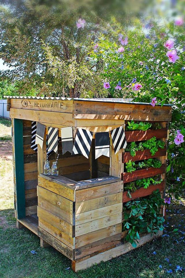 upcycled pallet cubby houses made in australia recycled interiors the sustainable home hub. Black Bedroom Furniture Sets. Home Design Ideas
