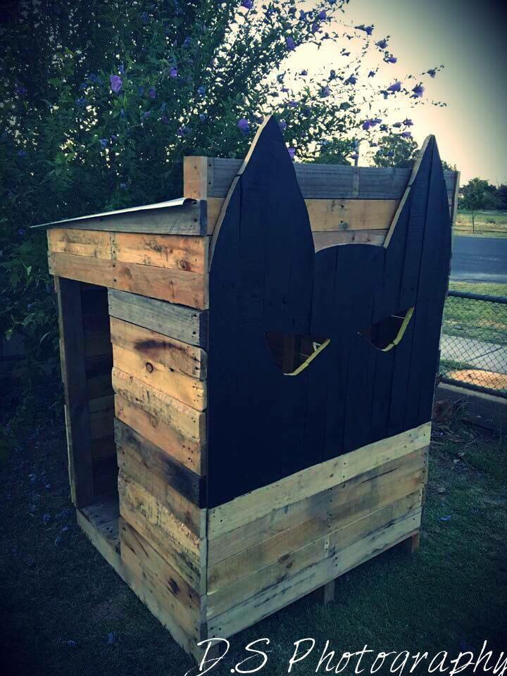 ideas for pallet cubby houses - get some ideas here for building a timber cubby house from upcycled pallets