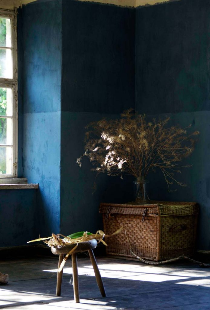 Sustainable no tox Lime Paint by Bauwerk Colour