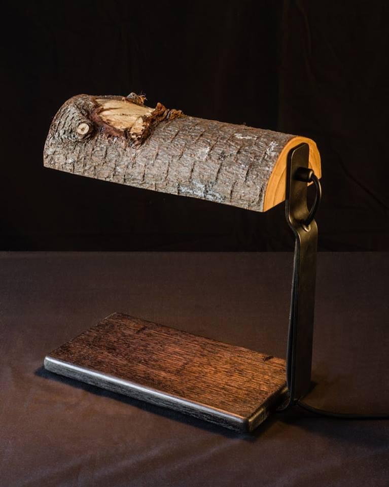 Duncan Meerding stump, log and bankers lights