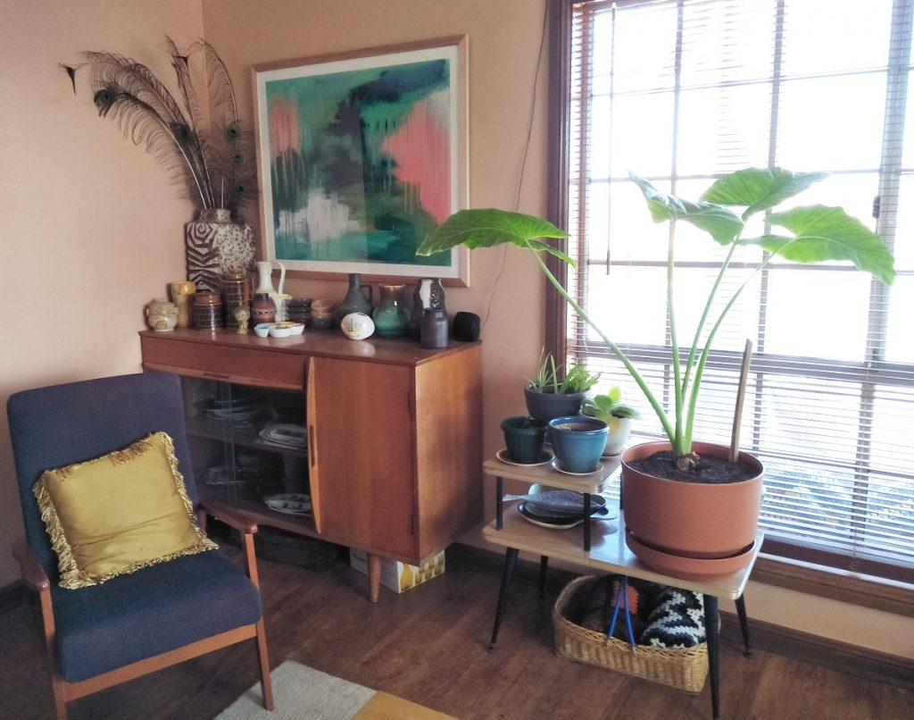 mid century retro sitting room