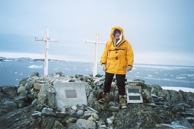 Antarctica Casey Station memorial for former expeditioners 2001